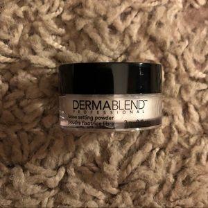 ❤️ Dermablend Loose Setting Powder